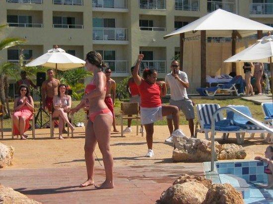 Hotel Meliá Marina Varadero: most sexy girl contest (funny)