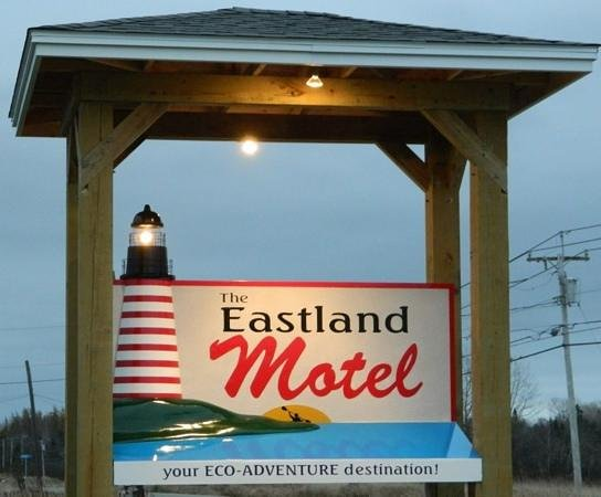 Eastland Motel: New sign at the Eastland.