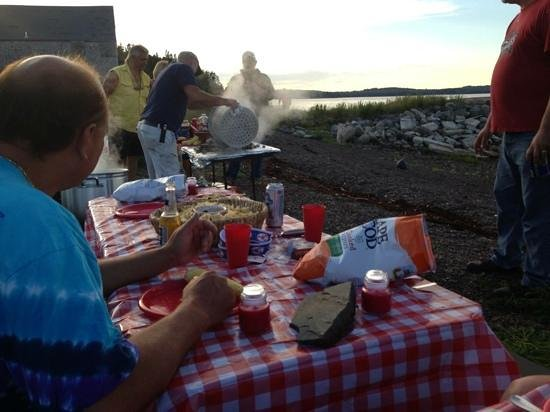Eastland Motel lobstah feed and clam bake