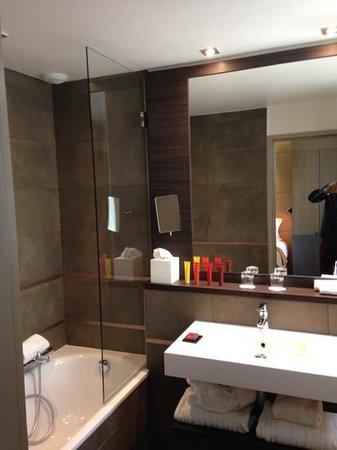 Hotel Villa Saxe Eiffel: bath