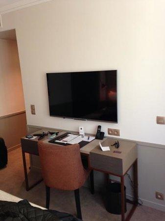 Hotel Villa Saxe Eiffel: tv