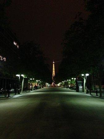 Hotel Villa Saxe Eiffel: road