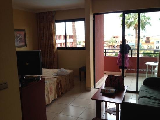 La Siesta Hotel: another view of room