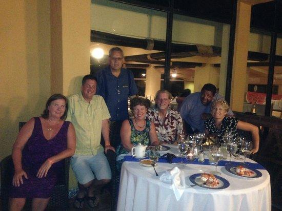 Holiday Inn Resort Ixtapa : Abel and  new friends we met at the resort