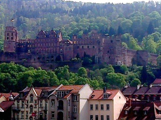 Schloss Heidelberg: Castelo visto da cidade.
