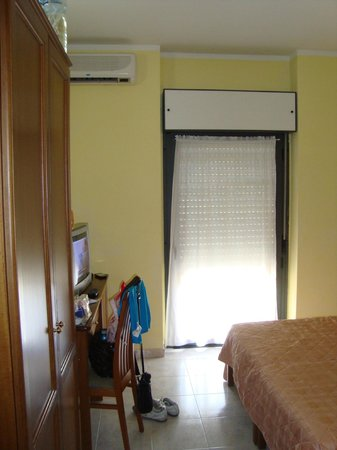Pausania Inn: hab