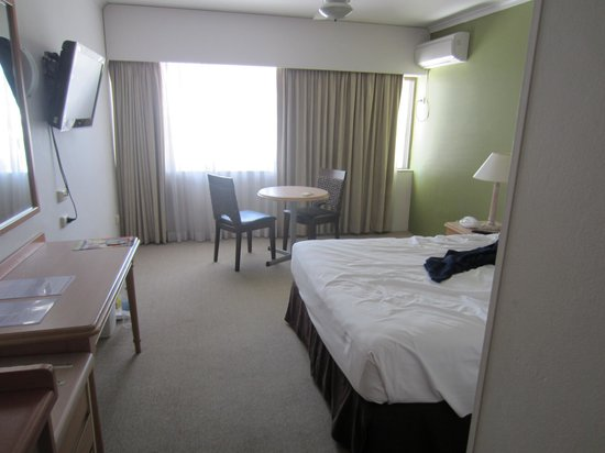 Ibis Styles Cairns: Room with Double Bed