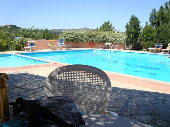 Pausania Inn: piscina