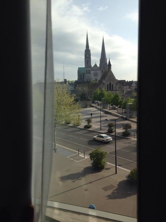 Mercure Chartres Centre Cathedrale : Vista privilegiada do nosso quarto!