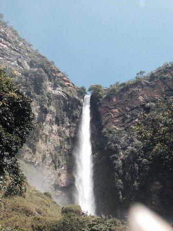 Salto do Itiquira Falls: Bom demais ficar próximo à queda e sentir a água da cachoeira!!!