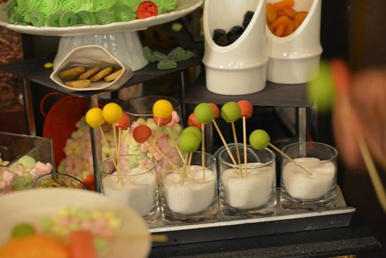 Jumeirah Zabeel Saray: Dessert selection from Imperium