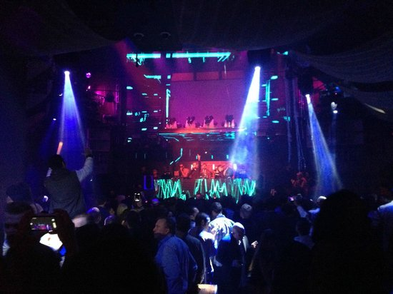 Marquee Nightclub & Dayclub at The Cosmopolitan of Las Vegas: Marquee one of the stages and dance floors