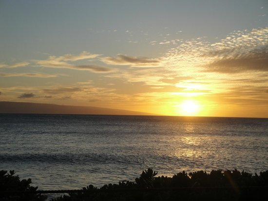"Ka'anapali Beach : You guessed it - Another ""routine"" sunset on Ka'anapali"