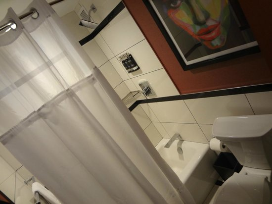 Park Central Hotel New York: Modern shower