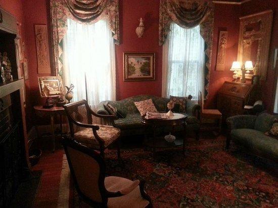 Alexander Homestead : Sitting area
