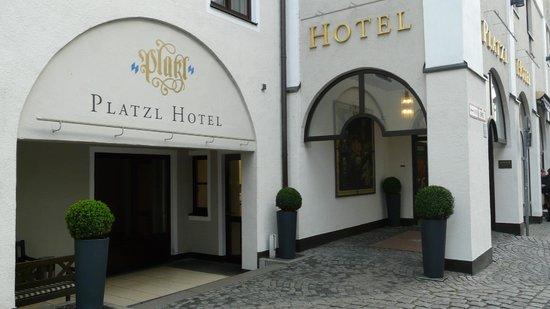 Platzl Hotel: Entrada Hotel