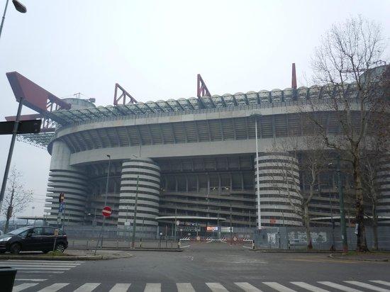 Stadio Giuseppe Meazza (San Siro): スタジアム外観