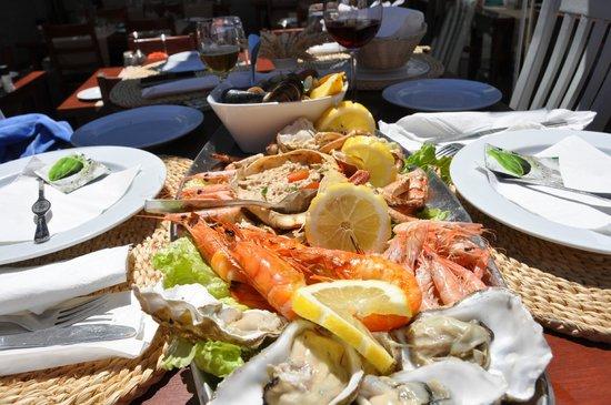A Lota: Sea food platter for 2
