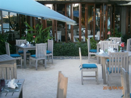 Veranda Grand Baie Hotel & Spa: Part of External Restaurant, 6.30pm