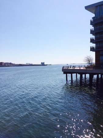 Battery Wharf Hotel, Boston Waterfront: view from the outside