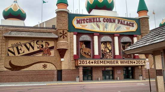 Corn Palace: Still looks good in April