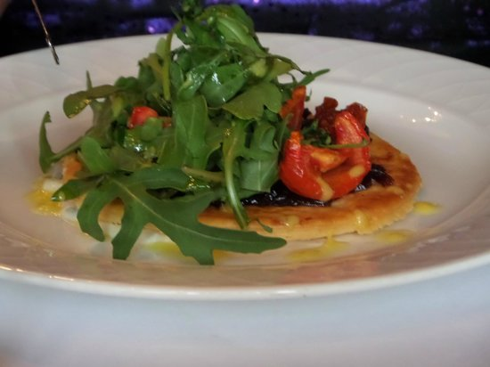 Woodlands Park Hotel: Red Onion and Tomato Tart with wild rocket and lime creme fraiche.