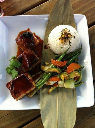 NZWINEPRO - Auckland Wine Tours : Seared Tuna at Plume Vineyard Restaurant Matakana