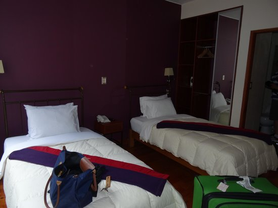MamaSara Hotel: No frills but they weren't expected