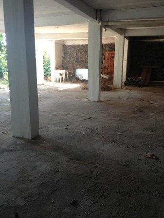Hotel Cascata Das Pedras: areas sob reforma (?)