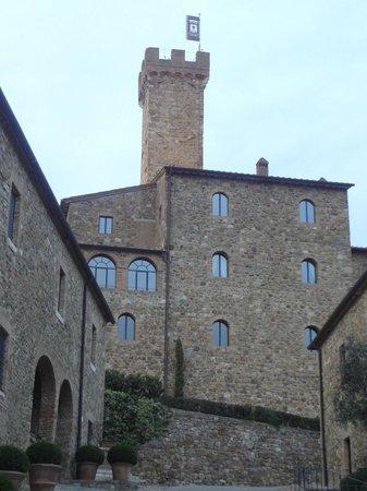 Castello Banfi - Il Borgo: vista do castelo