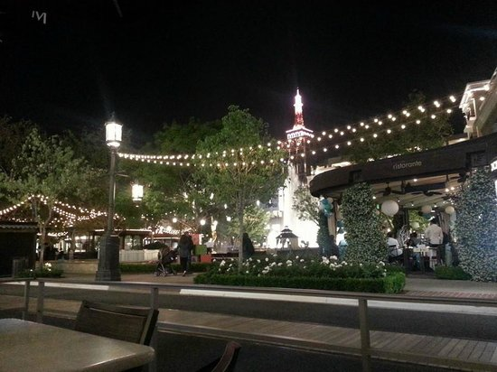 The Americana at Brand : The Fountain at 10:30pm