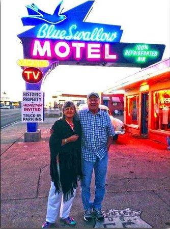 Blue Swallow Motel : us