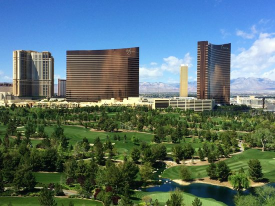 Renaissance Las Vegas Hotel: View of Wynn, Encore and Golf Course