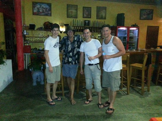 Eva`s Brickhouse: Hanging with Kent, the owner