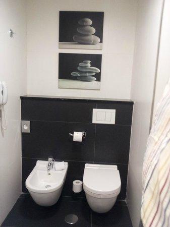 Vincci Malaga: Bagno, zona WC