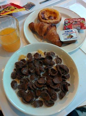 Ibis Lisboa Parque das Nacoes: Desayuno variado