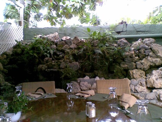 Brown Sugar Restaurant: Garden Seating