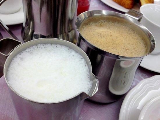 Hotel Le Soleil: Coffee