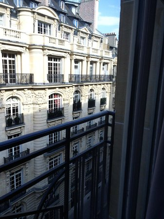 Sofitel Paris Arc de Triomphe : View from the room