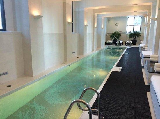 Waldorf Astoria Chicago: Lap Pool at the Elysian Spa