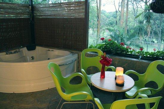 Terrazas de Golf Boutique Hotel: Suite with balcony and hot tub