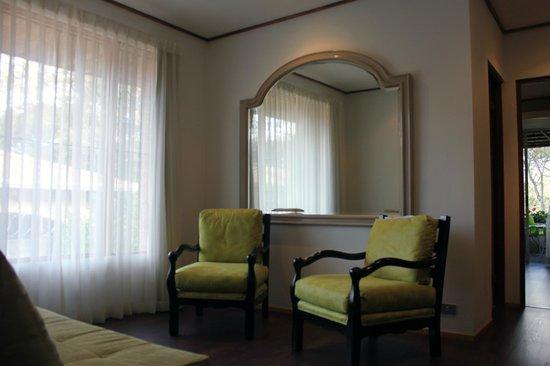 Terrazas de Golf Boutique Hotel: Sitting area with a sofa-bed