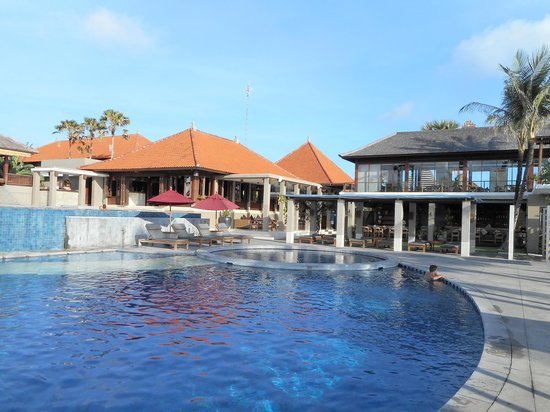 Bali Niksoma Boutique Beach Resort : pool