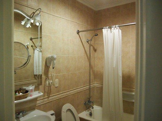Hotel Nacional de Cuba: bathroom