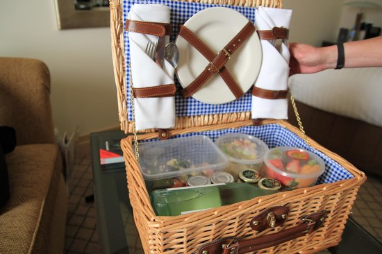 Hyatt Hotel Canberra: the Easter hamper