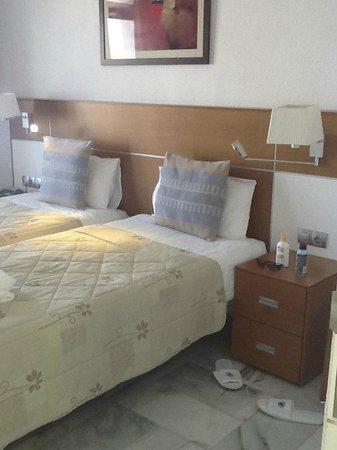 Palm Beach Tenerife: well made beds