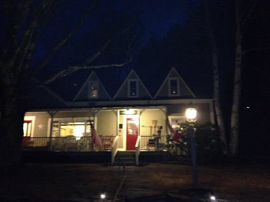 West Hill House B&B : West Hill at night