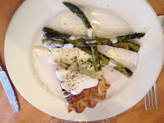Ashland, OR: Quiche with asparagus