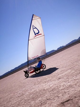 DeTour Vegas - Private Day Tours : Sailing in the desert.