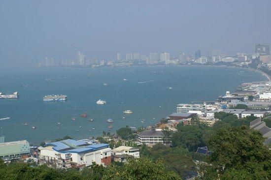 Khao Phra Tamnak (Khao Phra Bat): View of Pattaya Bay